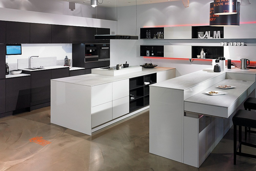 eine f r alle die barrierearme k che. Black Bedroom Furniture Sets. Home Design Ideas